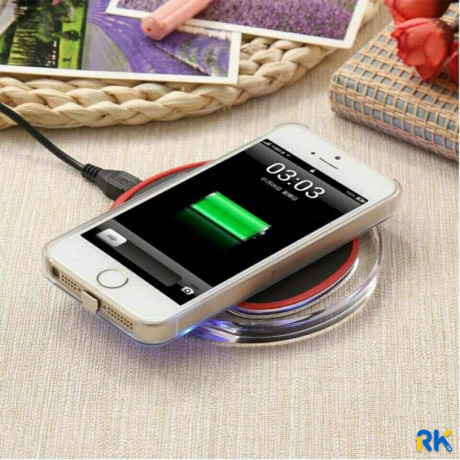nastolnaya-besprovodnaya-zaryadka-fantasy-wireless-charger-big-3